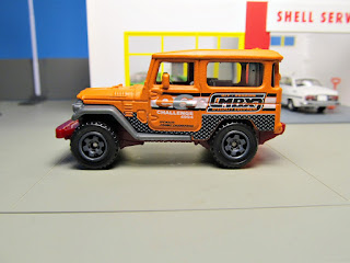 Matchbox  Land Cruiser