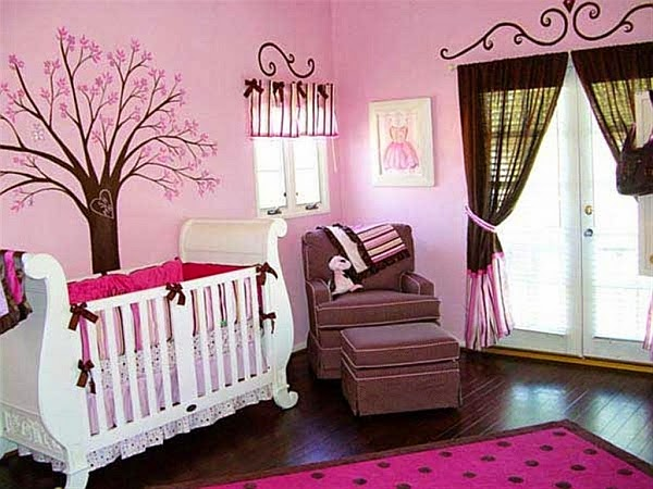 cuarto rosa para bebé
