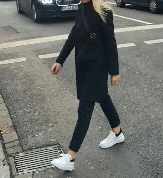 outlet store 38d3d 3a090 Minimalist style   Black coat, pants and Adidas Stan Smith sneakers