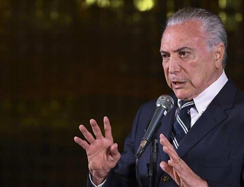 Temer felicita Bolsonaro e diz que transição começa segunda