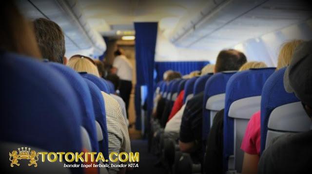 Seorang Nenek Tewas Dalam Pesawat Terbang