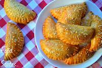 Τυροπιτάκια με εύκολη ζύμη κουρού  - by https://syntages-faghtwn.blogspot.gr
