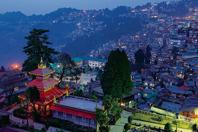 An evening in the Darjeeling Town