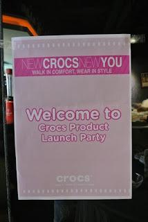 一見傾心♥ 擁有首對 Crocs™ 休閒鞋