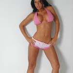 Andrea Rincon, Selena Spice Galeria 7 : Cachetero Blanco, Tanga Blanca, Top Bikini Rosado Foto 23