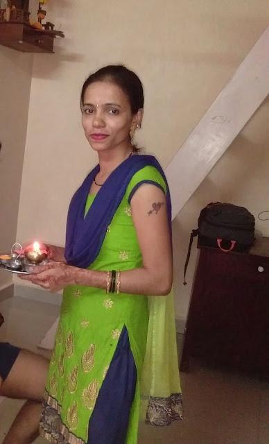 Desi Wife Wearing Mangalsutra Nude Snaps