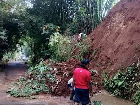 Terjadi Longsor di Jalur Desa Karangdawa ke Desa Karang Tengah Kecamatan Warungpring