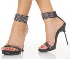 model sandal hak terbaru