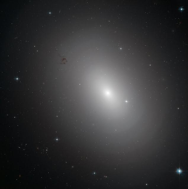 Elliptical Galaxy NGC 3923