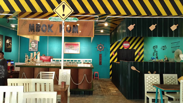 http://www.renidwiastuti.com/2018/02/mbok-kom-cafe-and-culinary-from-special.html