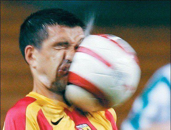 كرة القدم تدمر الدماغ!