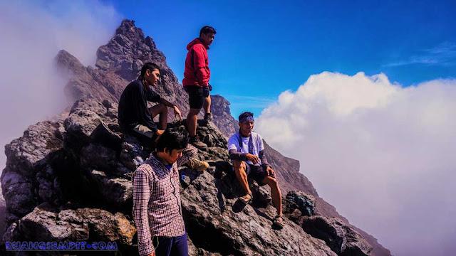 Menuju Puncak Merapi 2.930 mdpl Tanpa Rencana