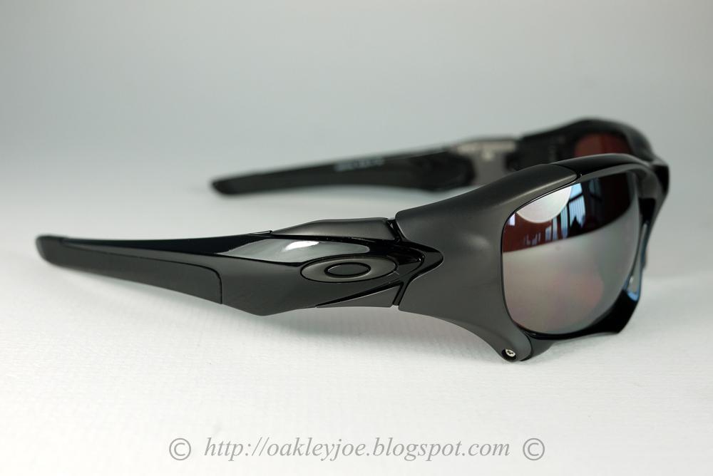 eb80c217386 Oakley Monster Dog Ducati Edition