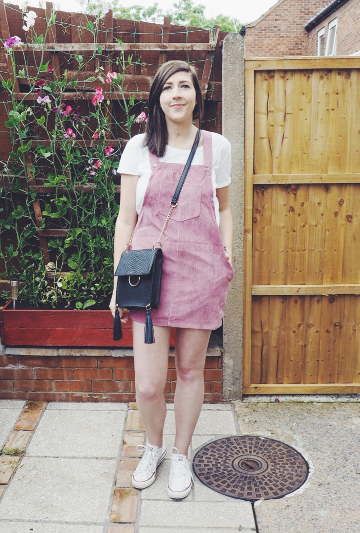 corduroypinafore, pinafore, dress, primarkcrossbodybag, pinkpinaforedress, wiw, whatimwearing, fbloggers, fashionpost, romwedress