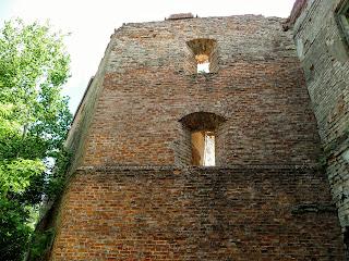 Клевань. Замок Чарторыйских. XV в. Восточная башня
