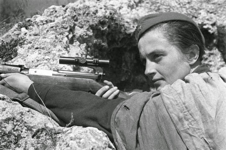 Ultimate Collection Of Rare Historical Photos. A Big Piece Of History (200 Pictures) - Soviet sniper, Lyudmila Pavlichenko