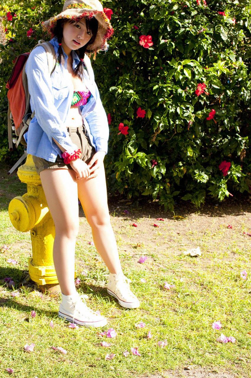 ai shinozaki summer bikini pics 02