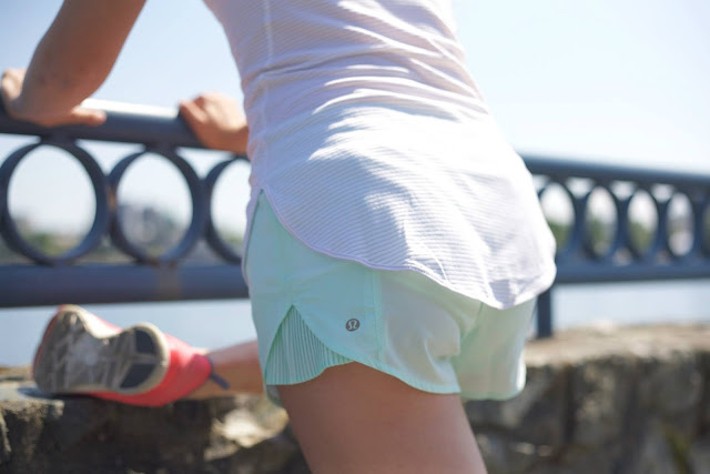 lululemon-pleat-to-street-sea-mist-short
