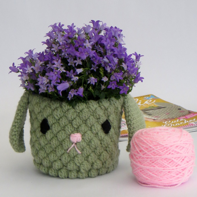 completed crochet bunny plant pot holder