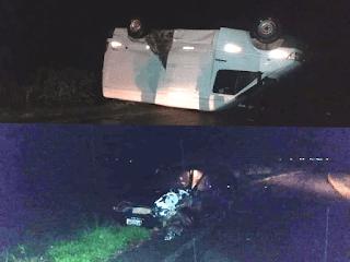Van capota após colisão com carro
