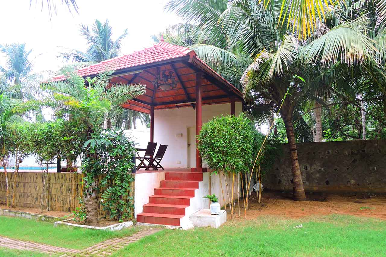Low Price Farm House for Rent in ECR