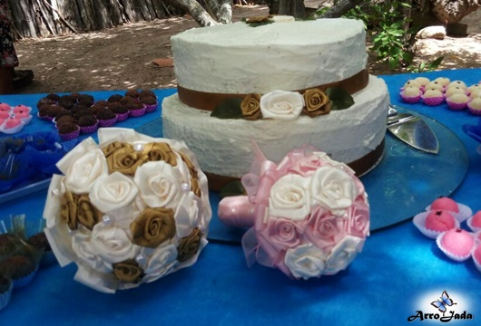 Casamento Civil - Festa no Quintal com Decoração Azul Buquê