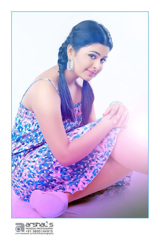 Raattinam Swathi Latest Photoshoot images wallpapers