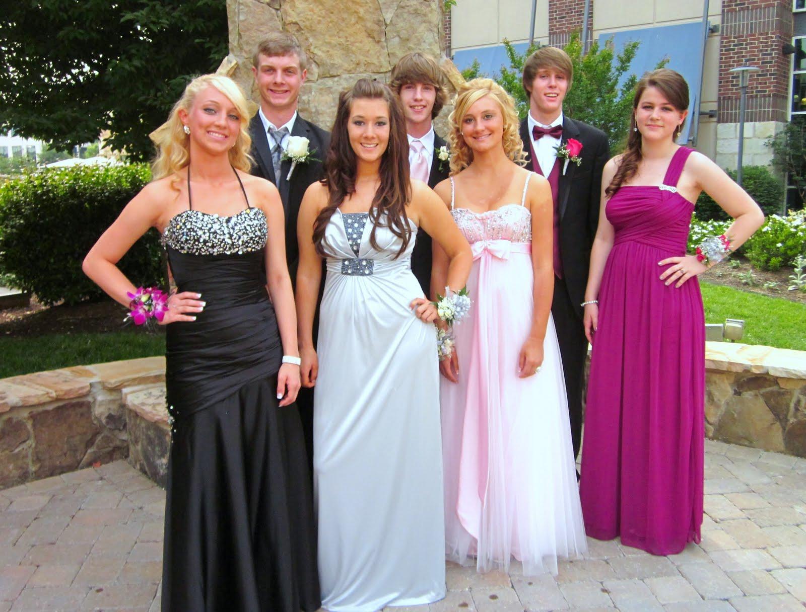 Graduation Dresses for High School Seniors