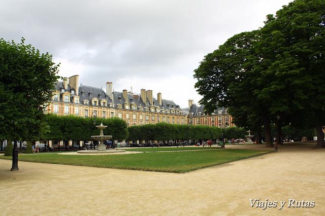 Place des Vosgues, Paris