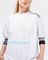 Logo Con Max Mara vinci 28 esclusive T-shirt Sportmax e un esclusivo Parka Max Mara