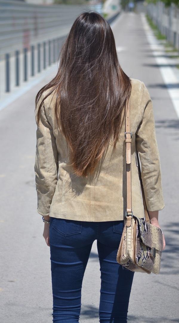 camel blazer, jacket, vintage bag, vintage purse, Lara Pasarin