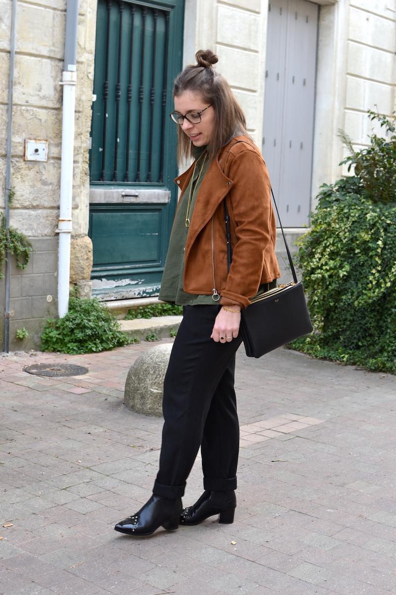 veste en daim Stradivarius, chemise kaki Zaful, pantalon noir Mango, boots noir Dresslily, trio bag  noir Céline