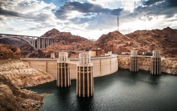 Wallpaper: Hoover Dam on Colorado River