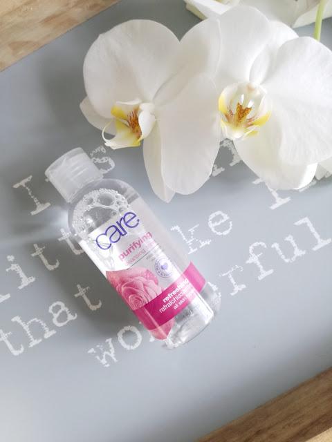 Woda różana Avon Care