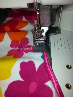 Doorstikken met coverlock babylock tuto elastisch paspelband