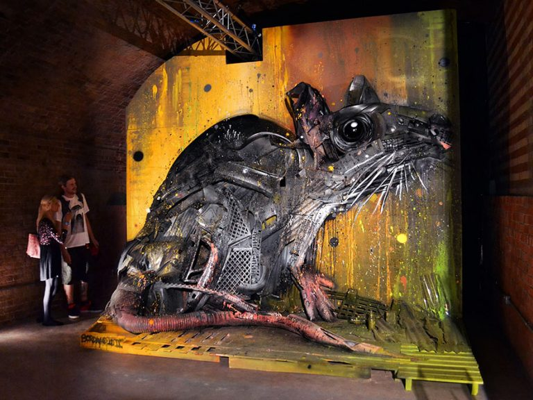Street Artist Transforms Ordinary Junk Into Animals To Remind About Pollution - Rat
