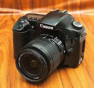 Kamera DSLR Bekas Canon EOS 30D