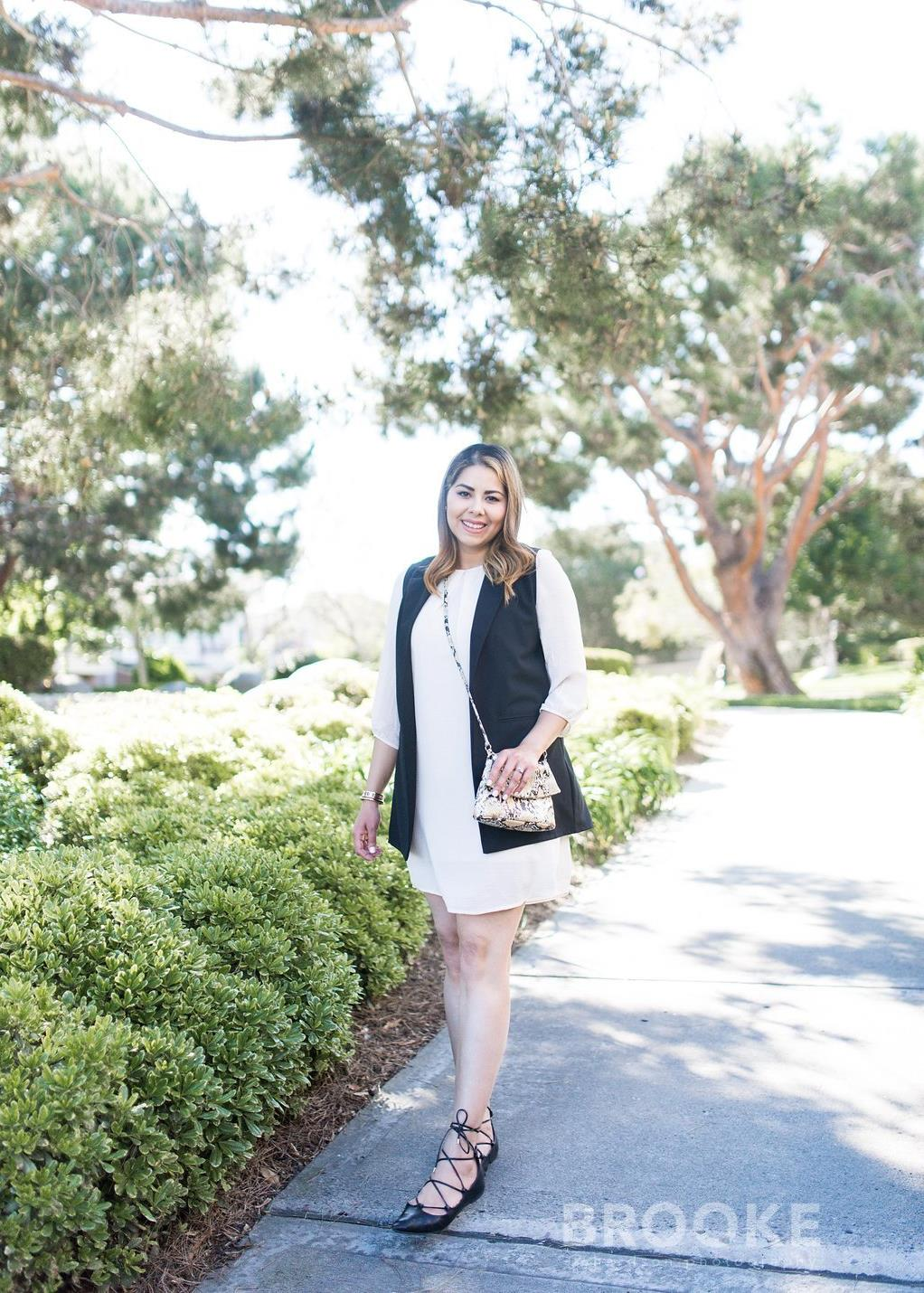 White dress and black vest outfit, mexican fashion blogger, Spring 2016 chic outfit