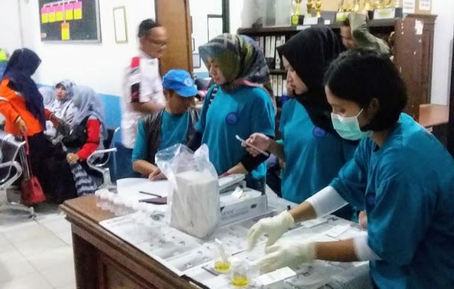 50 Warga Ikuti Tes Urine BNNP Banten Dalam Kampanye Stop Narkoba