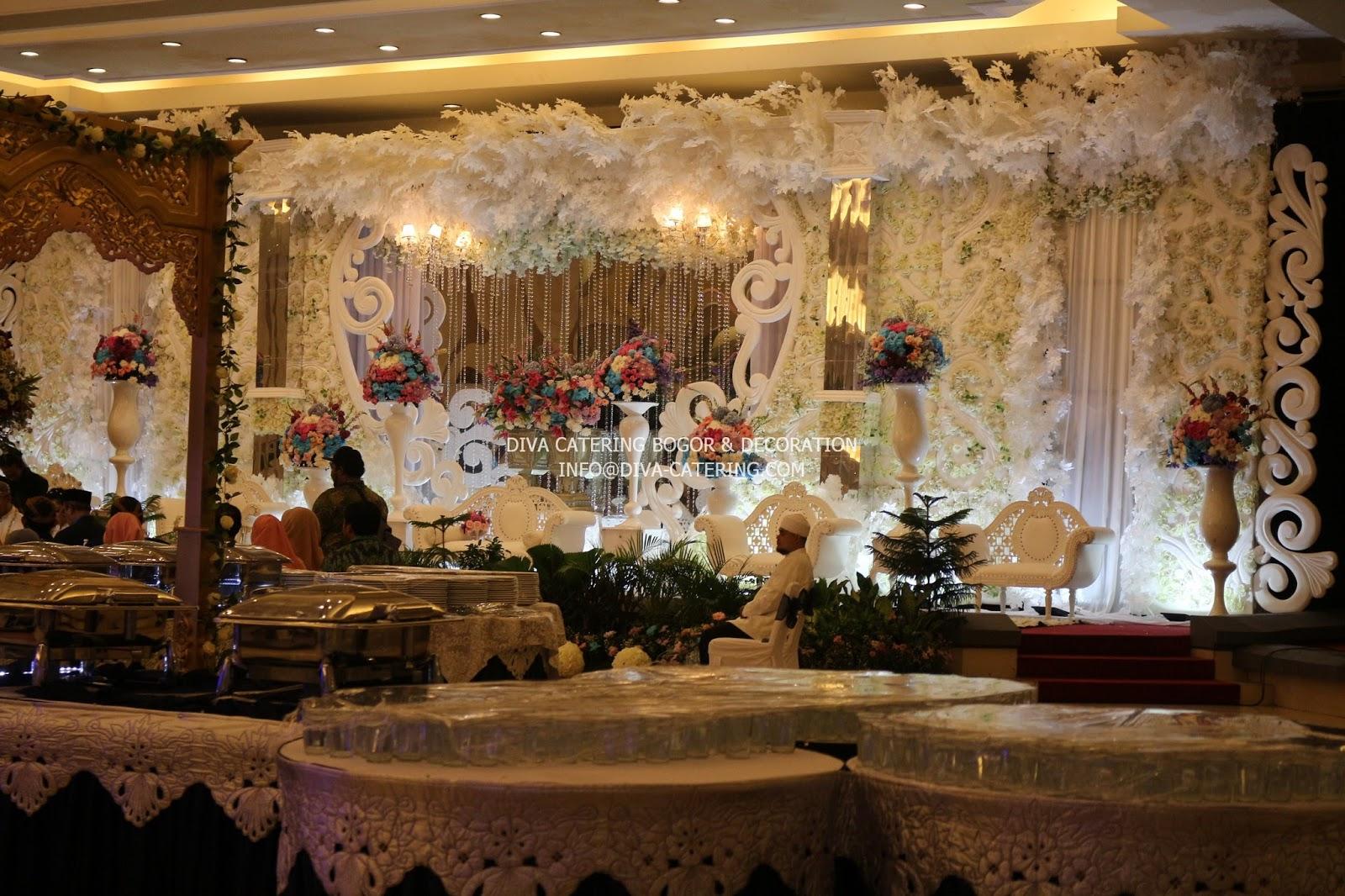 Gallery dekorasi diva catering bogor wedding planner wedding diva decoration diva catering di gedung andalusia sentul city junglespirit Images
