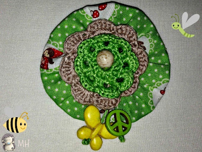 Broche verde a crochet
