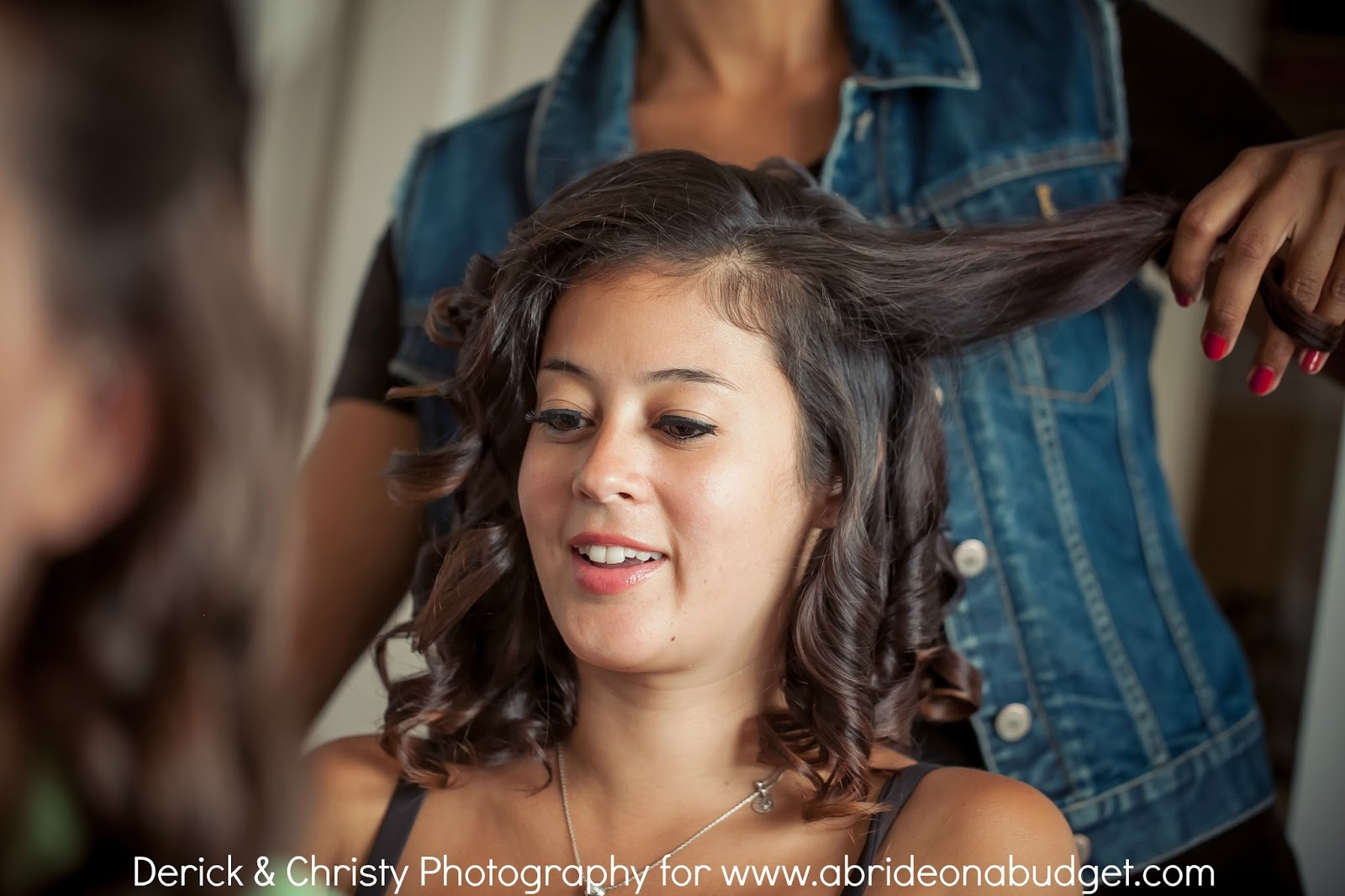 Before you get your wedding hair done, be sure to check out these five tips about getting your wedding hair done from www.abrideonabudget.com.