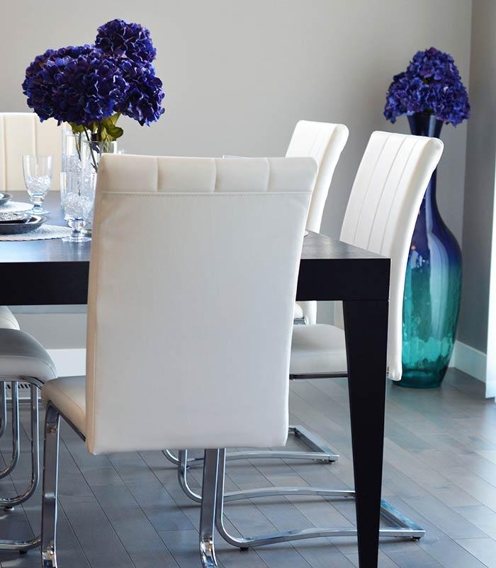 Decoração com flores: hortênsias na sala de jantar