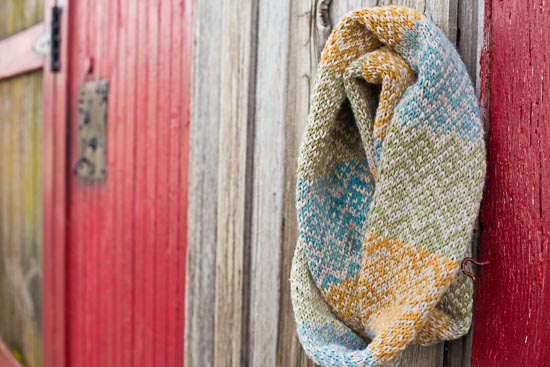 Loom Knit Fair Isle Infinity Scarf (Free Pattern) | Loom Knitting ...