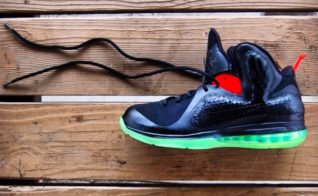 "newest ed58a 2b818 Custom Kicks Nike LeBron 9 ""LeBreezy""~"