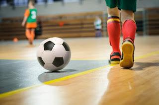10 Cara Memilih Sepatu Futsal yang Bagus, Nyaman dan Berkualitas