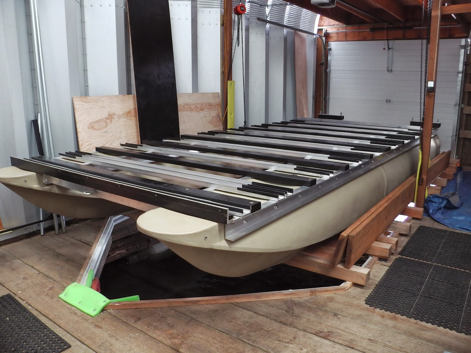 Global Product Reviews: Cool pontoon boat product: Liquid