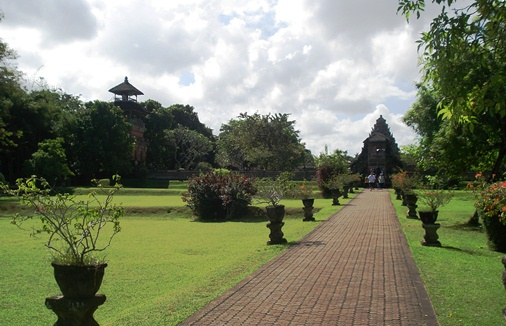 Taman Ayun Royal Temple , Pura Taman Ayun Temple Bell Tower