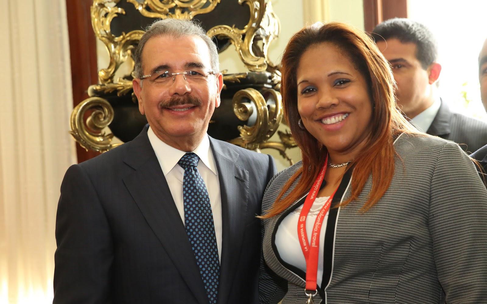 Danilo Medina destaca contribución de los periodistas al desarrollo de la nación