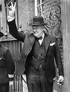 makna pose jari v, sejarah penggunaan tanda dua jari, winston churchill dua jari victory, perang dunia situs buntu